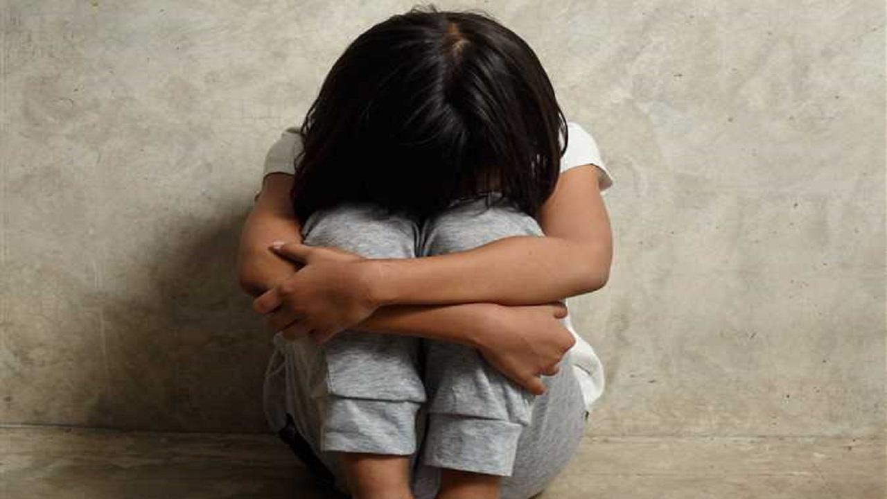 صورة.. ذئب بشري ينحر طفلة بعد اغتصابها ويلقي بجثتها في الشارع