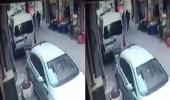 بالفيديو.. شاب يسدد أكثر من 10 طعنات لزوجته بسكين وسط شارع عام