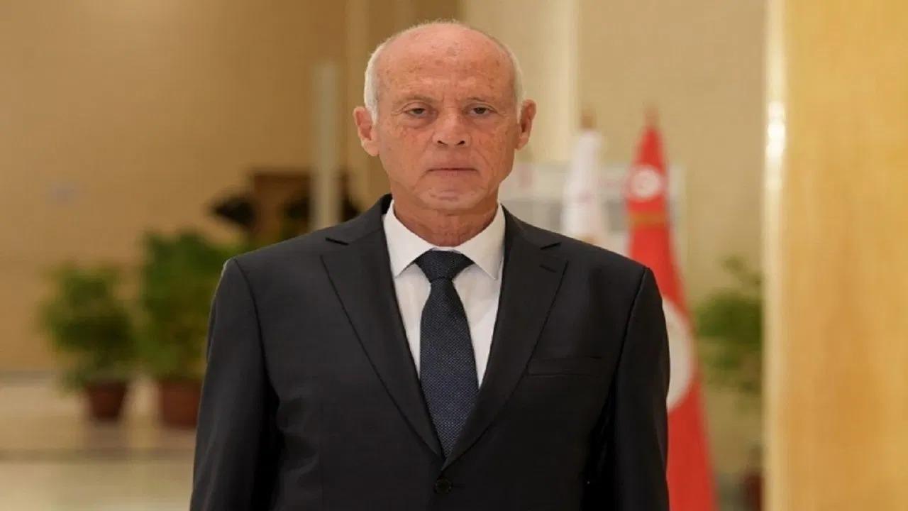 التحقيق في تلقي الرئيس التونسي تمويلًا من الخارج
