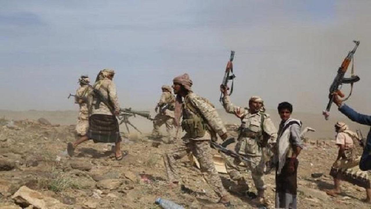 بالفيديو.. الجيش اليمني يحبط عدة هجمات حوثية في مأرب ويقتل العشرات