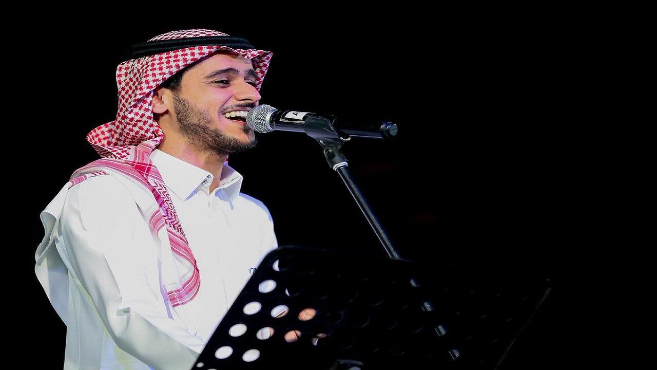 """بالفيديو.. عايض يوسف يروي ذكريات أغنيته الأولى """"نسيتني"""""""