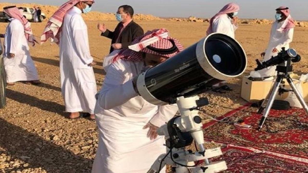 بالفيديو .. أجواء الطقس تعرقل رؤية هلال رمضان بمرصد تمير
