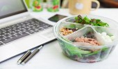 وجبات صحية يسهل تناولها أثناء العمل