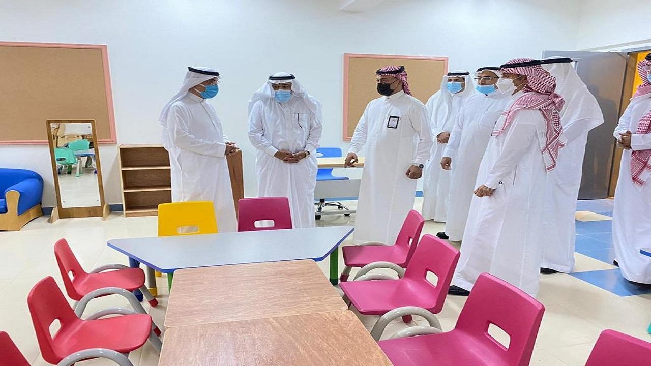 مساعد وزير التعليم آل فهيد يزور تعليم الطائف ويتفقد عددًا من المشاريع