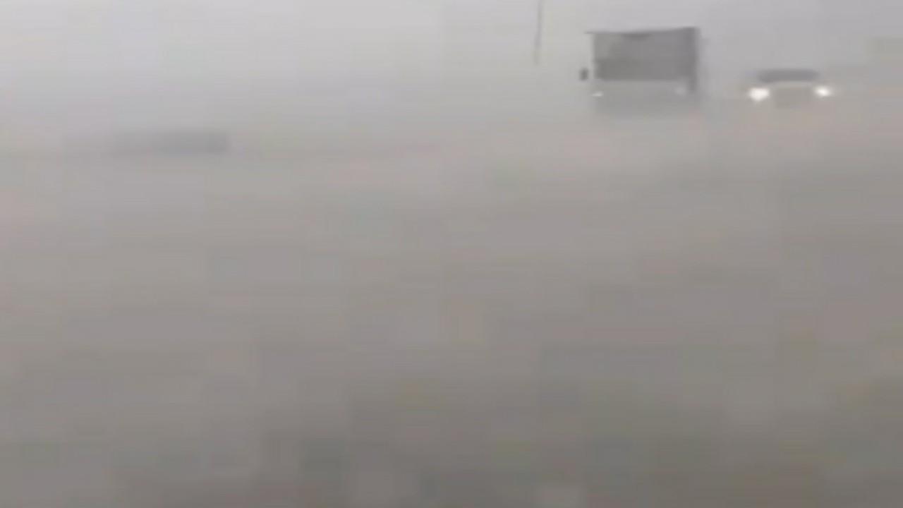شاهد.. عاصفة البرد الغزيرة على محافظة رنية بالطائف