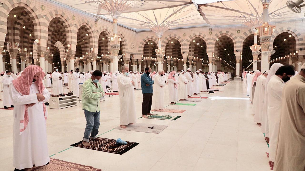8 دول فقط تفتح مساجدها لصلاة التراويح