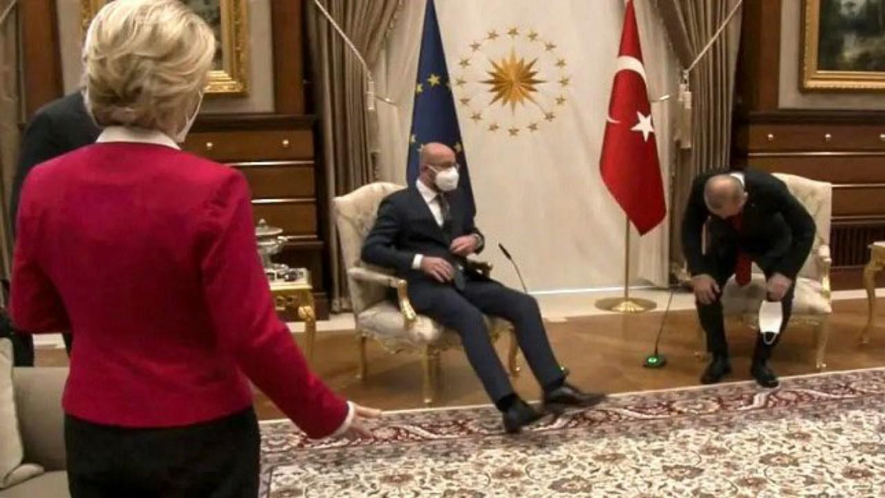 شاهد..موقف محرج لرئيسة المفوضية الأوروبية خلال اجتماع مع أردوغان