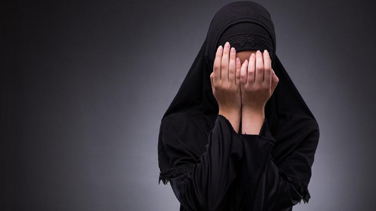 """""""العنف الأسري"""" يصدر بيان حول فتاة الرياض المعنفة من والدتها"""