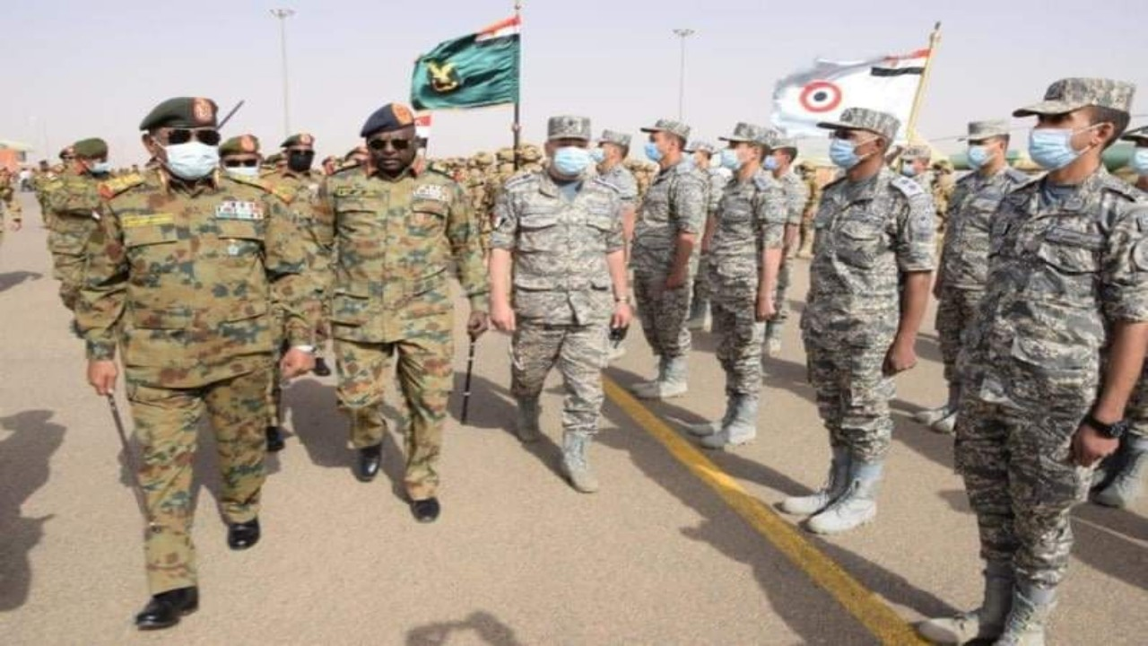 رئيس الأركان المصري: العمل المشترك مع السودان ضروري لمواجهة التحديات الأمنية