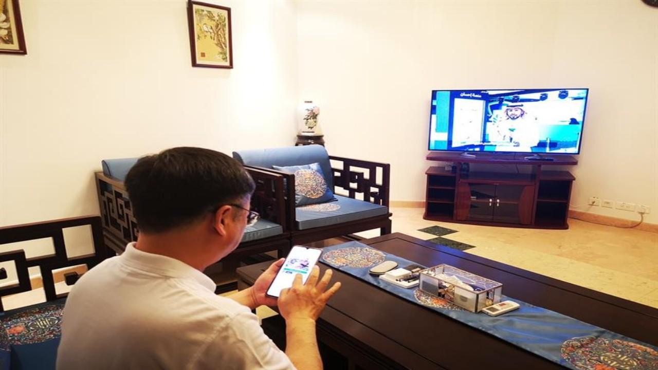 بالصور.. لحظة مشاركة السفير الصيني في الحملة الوطنية للعمل الخيري
