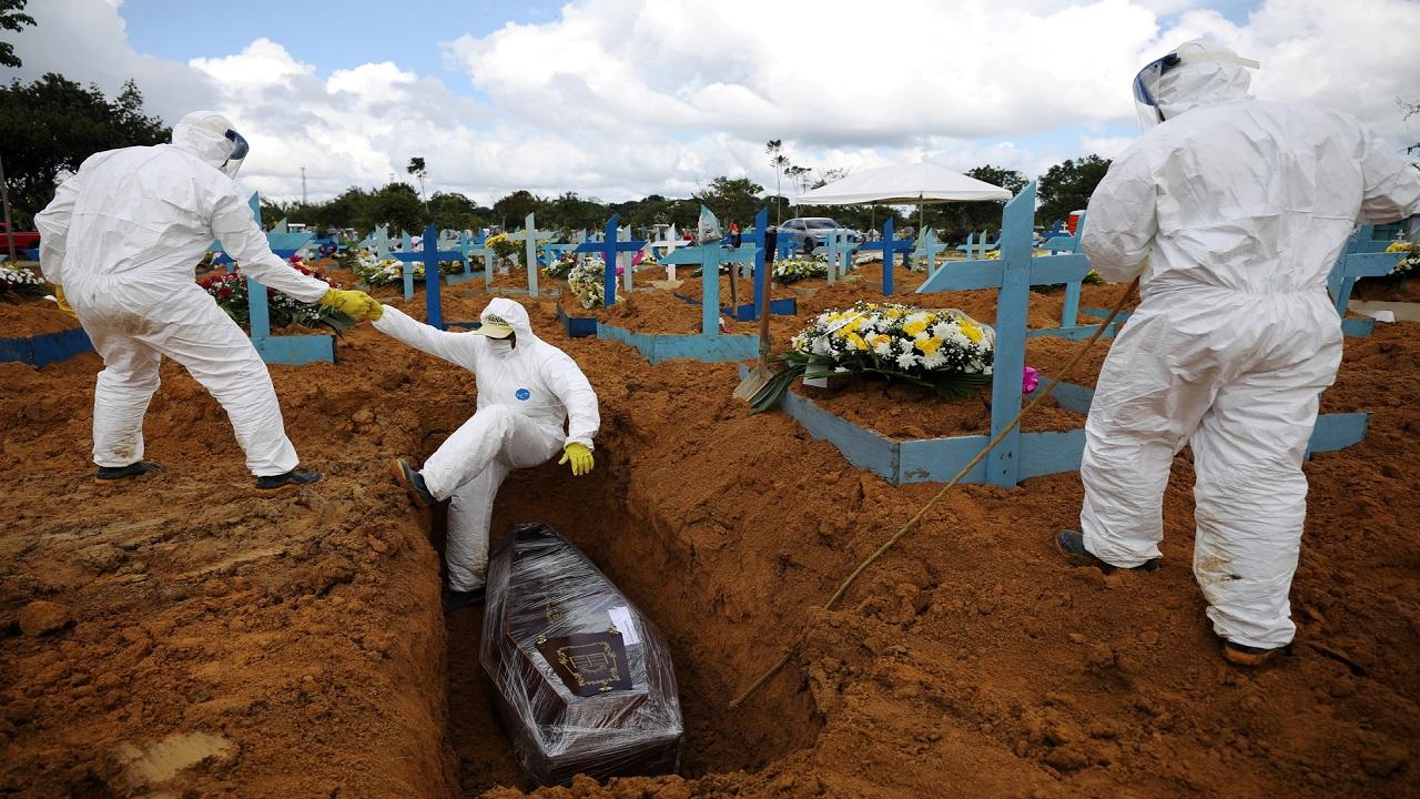 البرازيل.. وفاة شخص كل 3 دقائق بكورونا