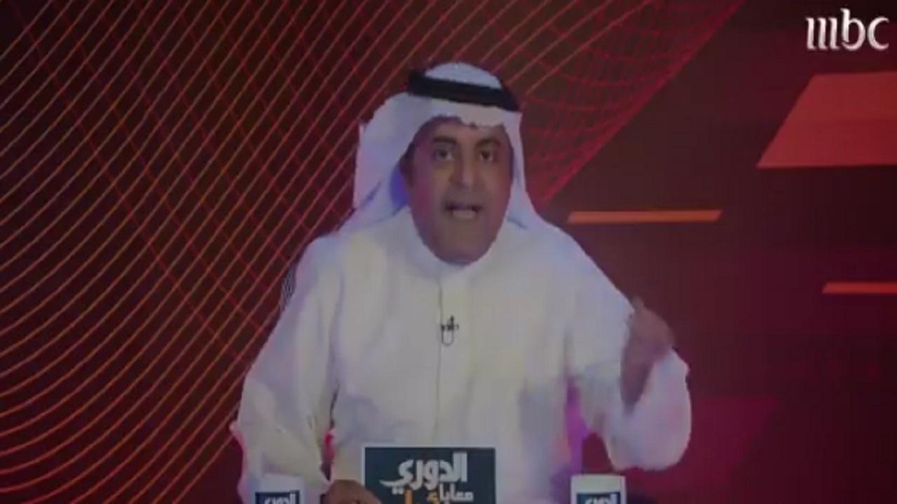 شاهد.. خالد الفراج يقلد شقيقه في برنامج استوديو 21
