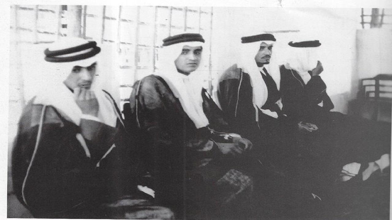 صورة تاريخية للملك فهد قبل تولي الحكم بالمنطقة الشرقية