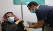 الصحة توجه بتطعيم كورونا لمن تجاوز الـ60 دون موعد