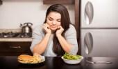 طريقة بسيطة للتخلص من الدهون الزائدة في الطعام