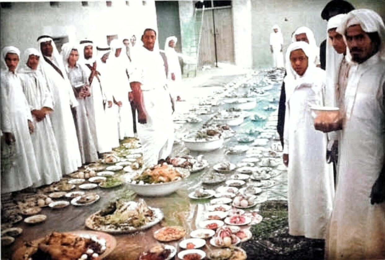 وليمة للإحتفال بزيارة الملك سعود رحمه الله للخرج قبل 66 عام