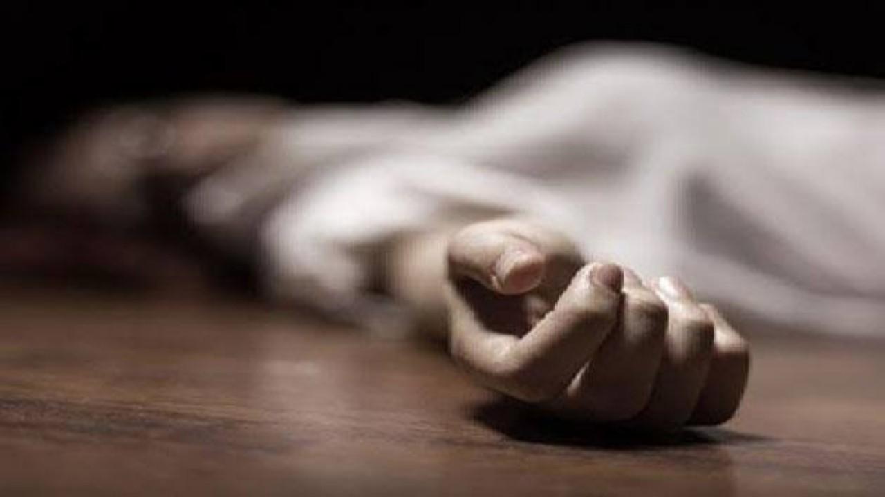 رجل يضرب ابنته حتى الموت لخلافات بينهما