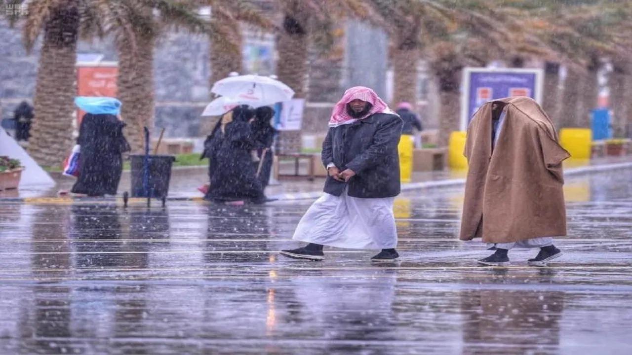 الحصيني: أمطار مصحوبة بزخات البرد على هذه المناطق