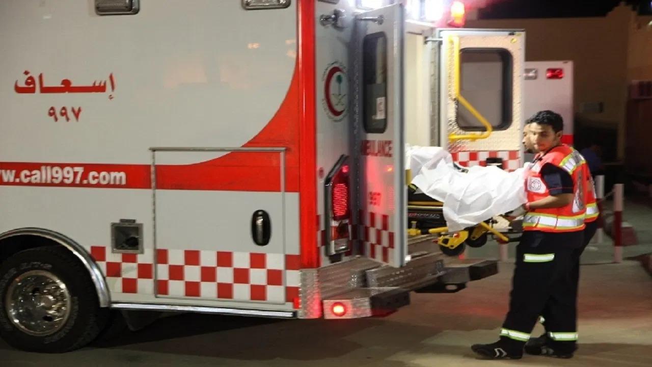 مصرع وإصابة 12 شخصًا في حادث تصادم بالقصيم