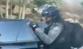 بالفيديو.. القوات الإسرائيلية تعتدي على امرأة وأطفالها