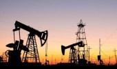 النفط يقترب مجدداً من 70 دولار