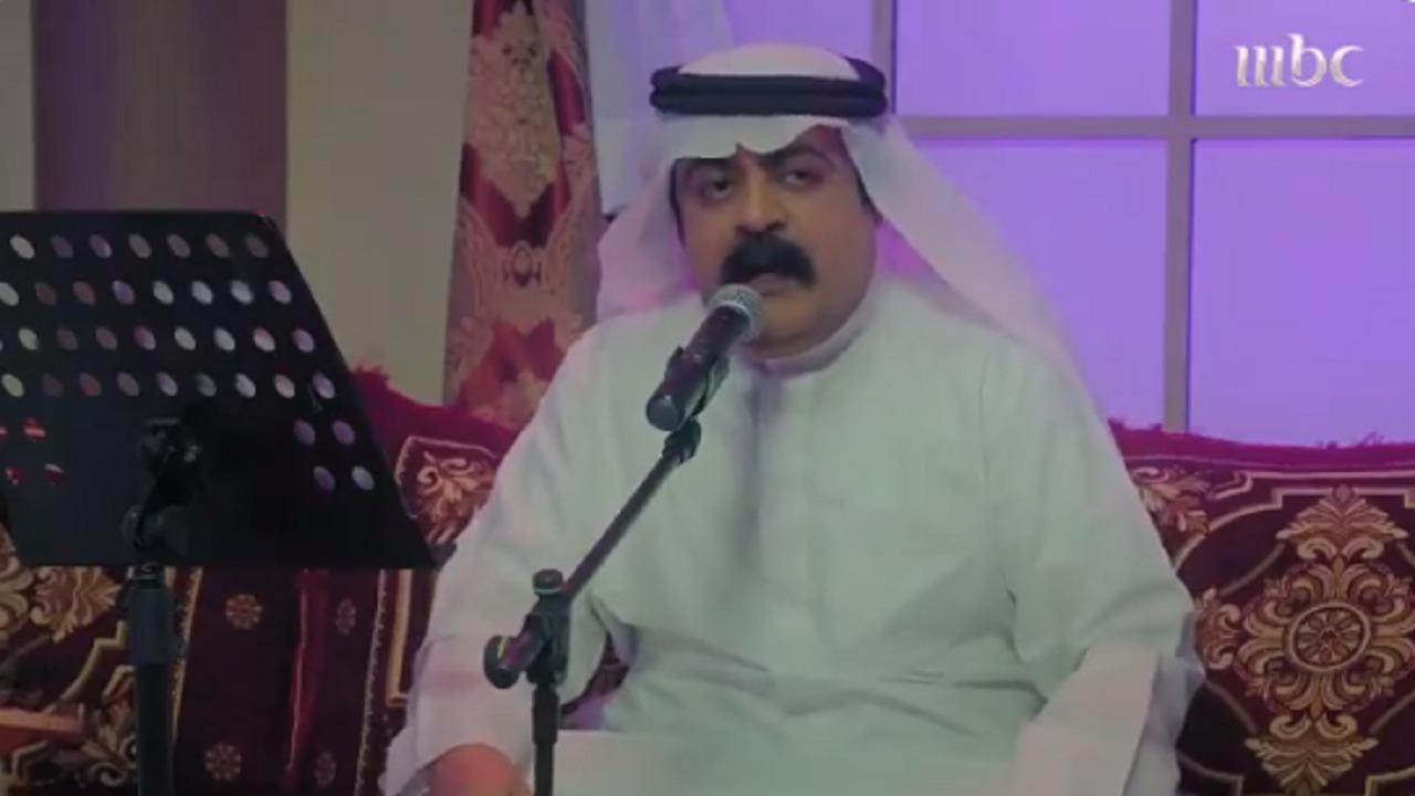 بالفيديو.. خالد الفراج يطربنا بشخصية الفنان غريد الشاطئ
