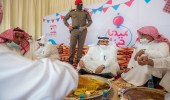 بالفيديو .. أمير القصيم يعايد على الأهالي ويشاركهم فرحة العيد