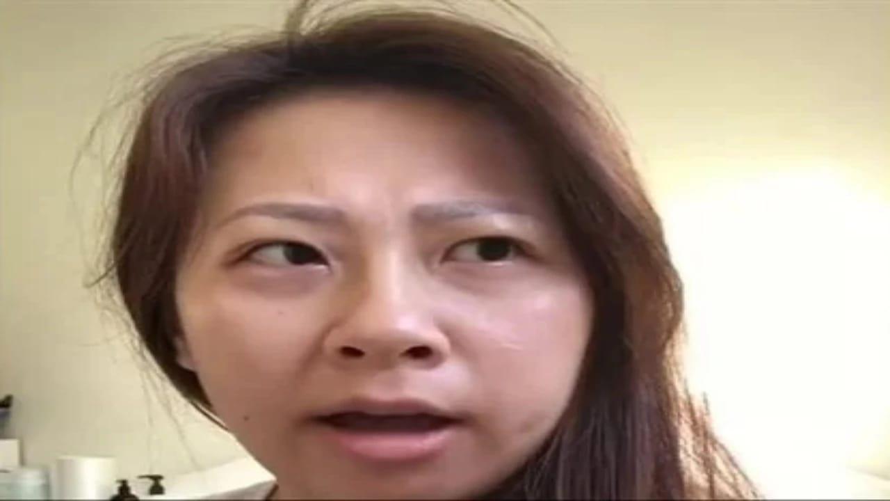 سيدة تستيقظ من نومها تتحدث لغة لا تعرفها غير لغتها الأصلية