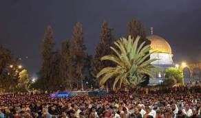 الآلاف يؤدون صلاة التراويح في القدس