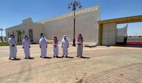 أمين تبوك ومدير عام الشئون الإسلامية يتفقدان مصلى العيد وممر المشاة المحيط بالمسجد