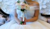 فتاة تقيم جلسة تصوير بفستان أبيض للإنتقام من خطيبها