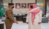 وزير الداخلية يستقبل محمد الزهراني لدوره في منع شخص من اقتحام منبر الحرم