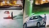 شاهد.. لص يسرق سيارة بداخلها امرأة في الرياض