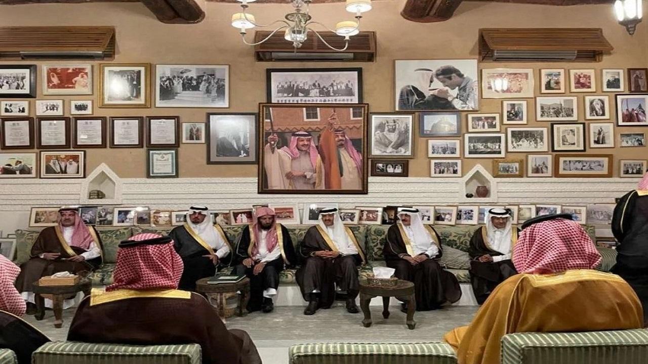 شاهد.. لقطات من حفل أقامه الأمـير سلطان بن سلمان بمناسبة زواج الأميرة حصة