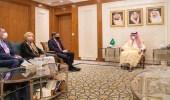 وزير الخارجية ومستشار وزارة الخارجية الأمريكية يناقشان القضايا الإقليمية والدولية
