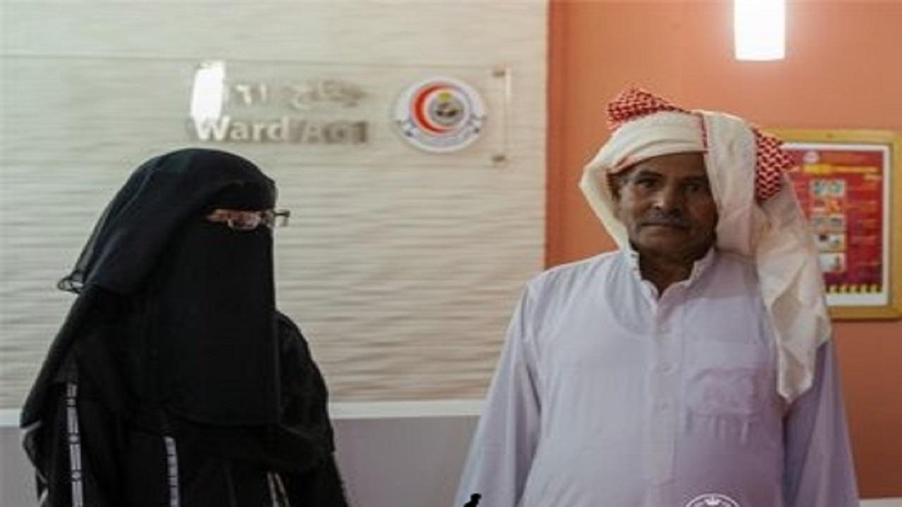 بالفيديو والصور.. أول تعليق من والدا التوأم السيامي اليمني بعد وصولهما إلى الرياض
