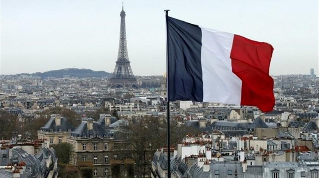تحديد الشروط والفئات المسموح لها بالسفر إلى فرنسا