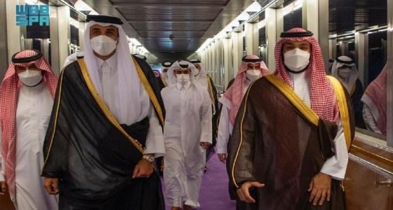بالفيديو .. سمو ولي العهد يستقبل  أمير قطر بمطار الملك عبدالعزيز الدولي في جدة
