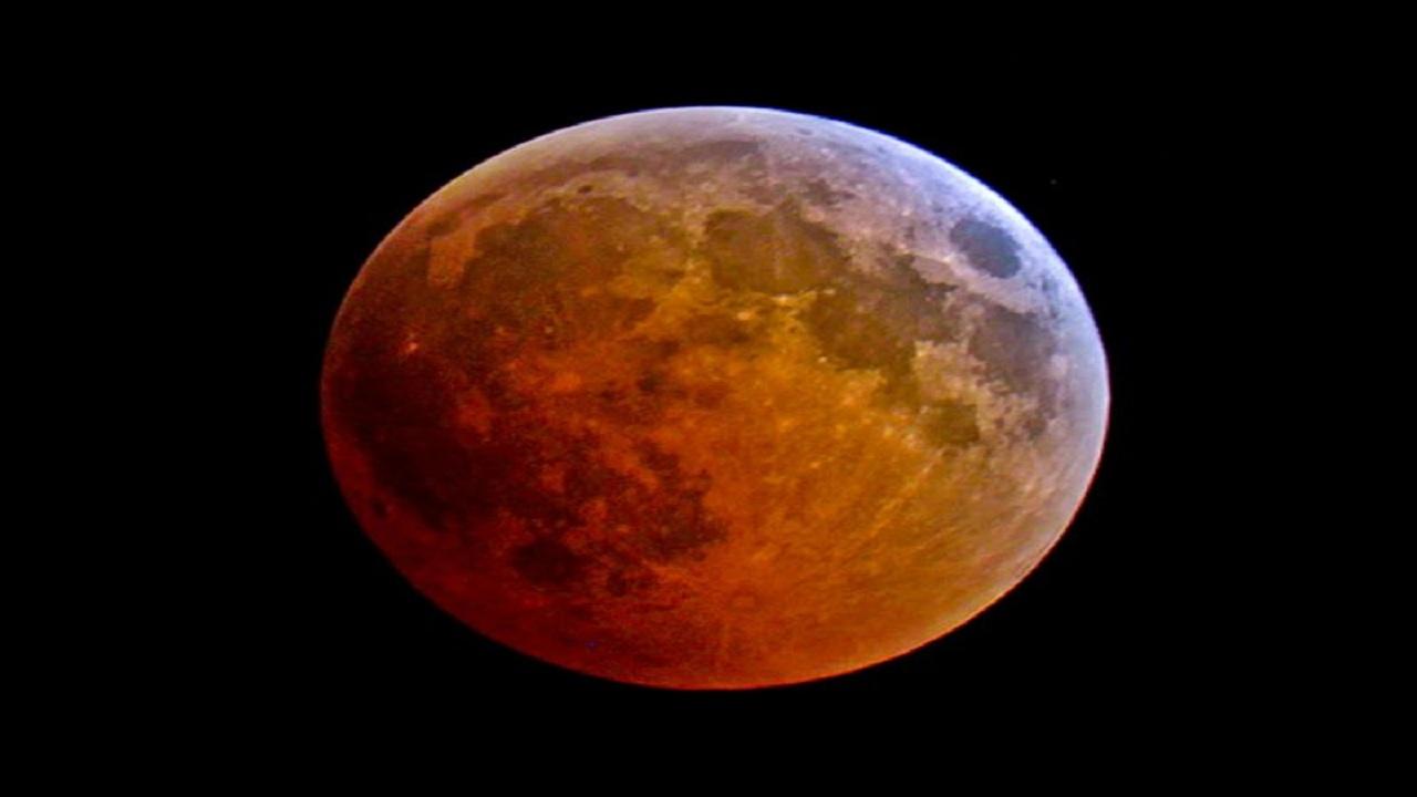 فلكية جدة : خسوف كلي للقمر غير مشاهد بالمملكة الأربعاء المقبل