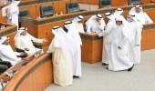 بالفيديو.. خلاف بين نواب مجلس الأمة الكويتي والوزراء على أماكن الجلوس