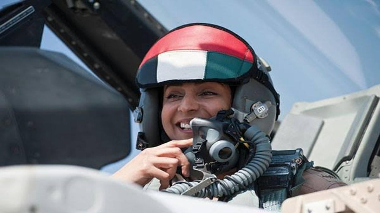 بالفيديو.. كابتن طيار مريم المنصوري ترد على من اتهمها بالمشاركة في قصف غزة