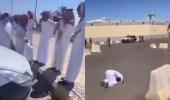 بالفيديو.. سجود وتكبير بعد إعلان«العمراني» العفو عن قاتل ابنه