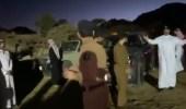بالفيديو.. أمير عسير مع رجال الدفاع المدني أثناء إخماد حريق منتزه المسقي