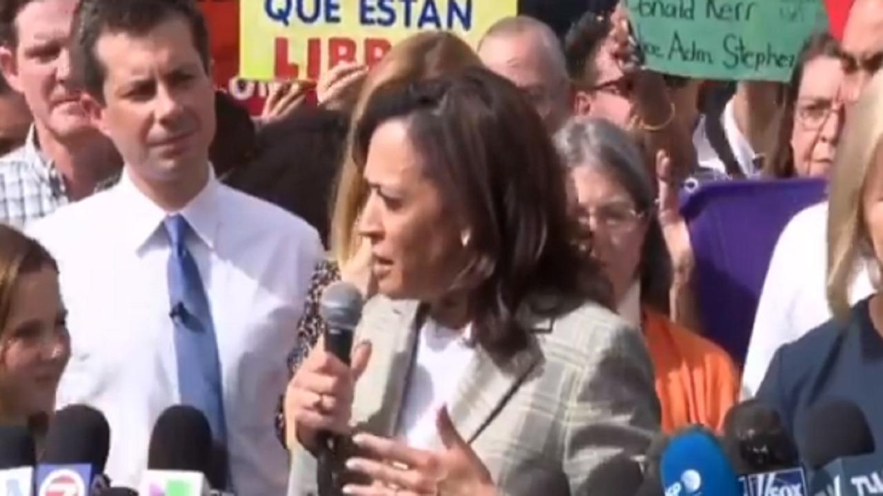 """بالفيديو.. نائبة """" بايدن """" لـ المهاجرين: لا تأتوا لنا"""