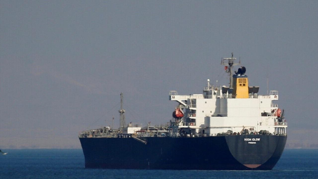 غرق سفينة مصرية ومصرع قبطانها في رأس غارب