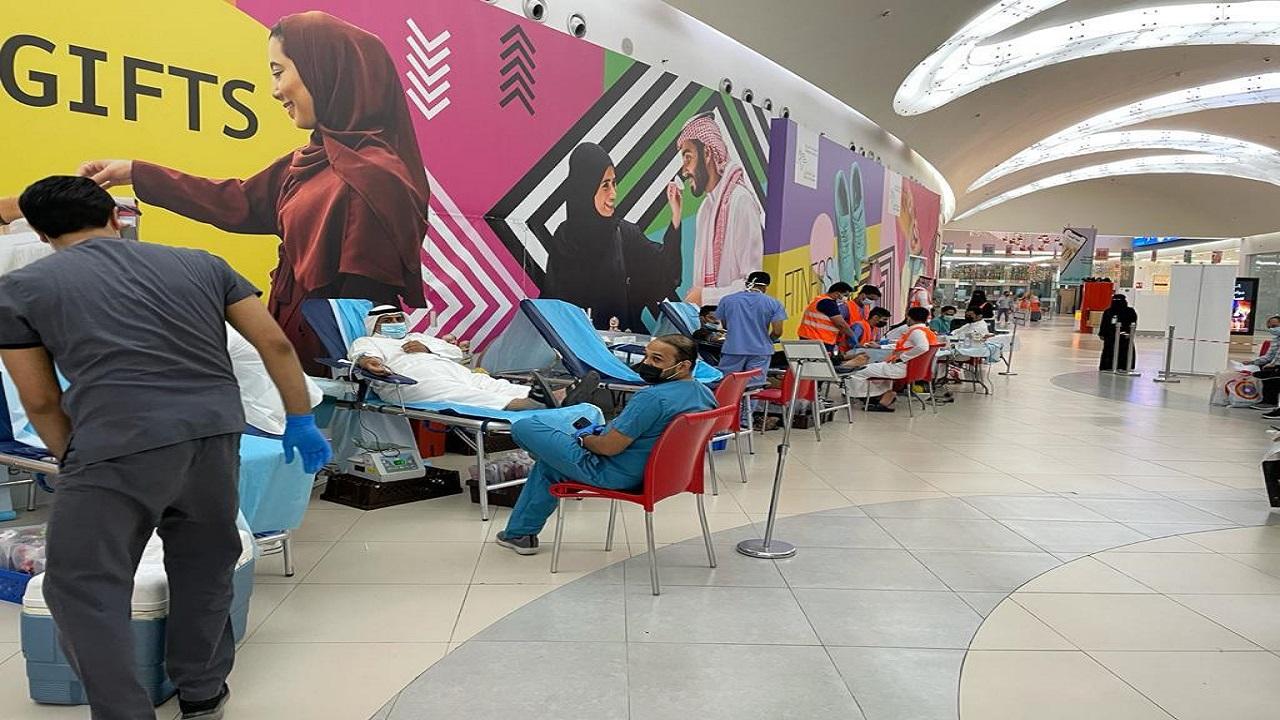 تبرع 607 متبرعين بالدم في مبنى 100 بالتخصصي ومجمع الظهران مول