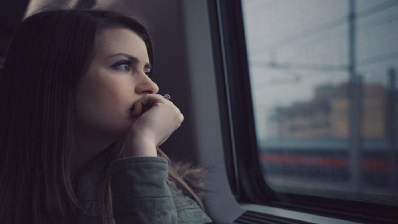 طرق فعالة تساعدك في إخراج شخص من تفكيرك