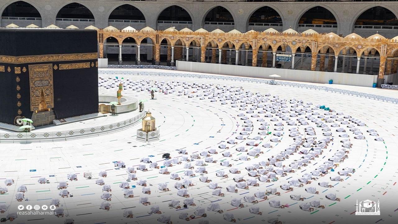 بالفيديو والصور.. خطبة الجمعة من المسجد الحرام