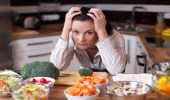 أطعمة تكافح الاكتئاب وتحسن الحالة المزاجية