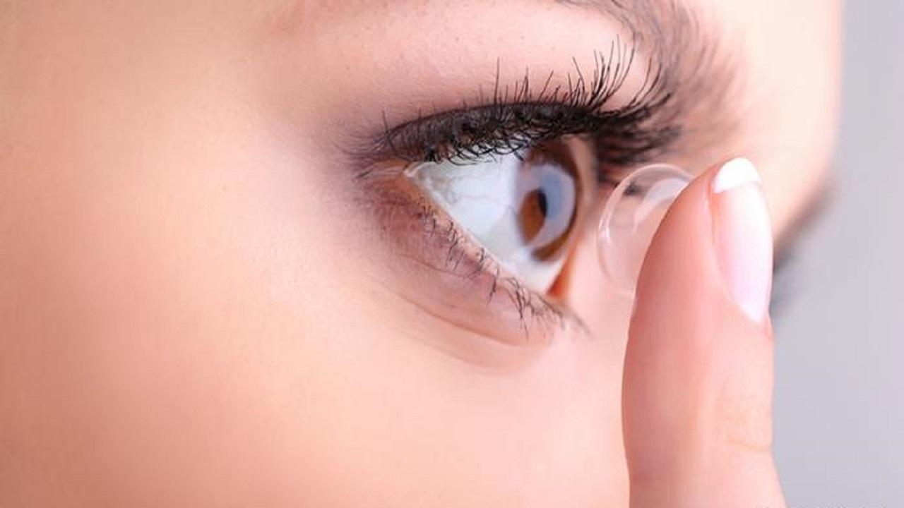 دراسة حول استخدام العدسات اللاصقة